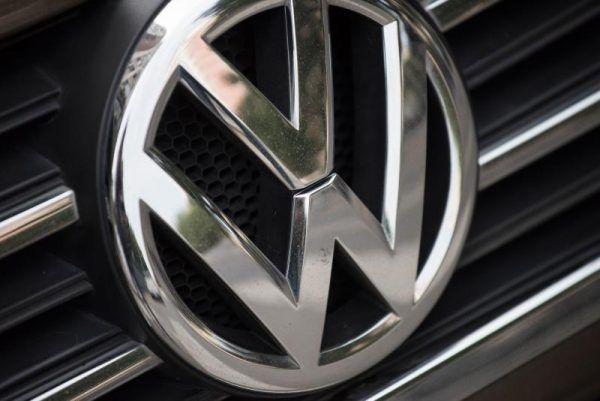 VW lieferte erstmals über eine Million Autos im Monat aus