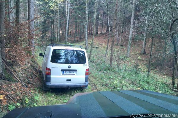 Der Wagen des Mannes wurde im Wald gefunden