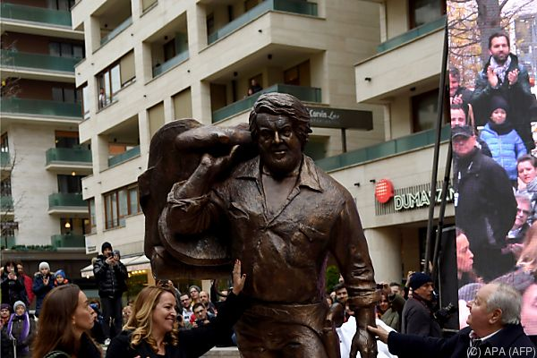 Der Bronze-Bud Spencer misst 2,40 Meter und wiegt mehr als 500 Kilo