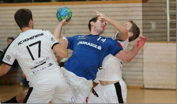 Erster Auswärtssieg für Feldkirchs Handballer