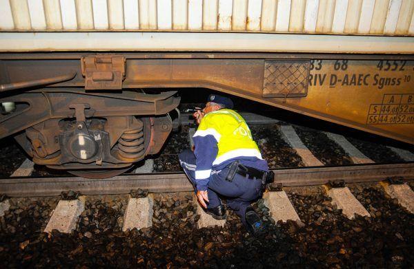 Am Grenzübergang Brenner fanden Beamte einen unterkühlten Fünfjährigen unter einem Güterzug.