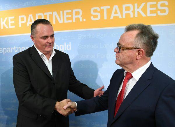 Verteidigungsminister Hans Peter Doskozil (SPÖ) und Landeshauptmann Hans Niessl (SPÖ) bei der PK