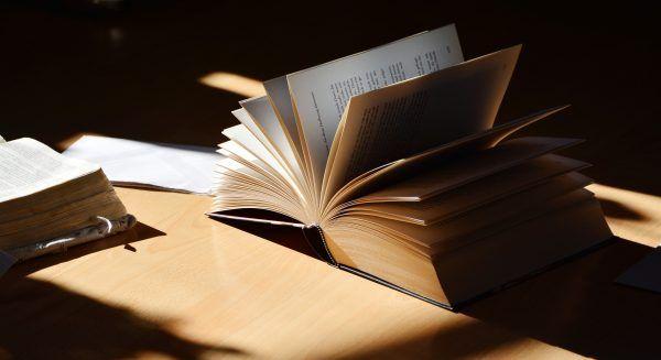 """Im Zuge eines Literaturpreises werden Literaten mit """"Alkoholerfahrung"""" gesucht"""