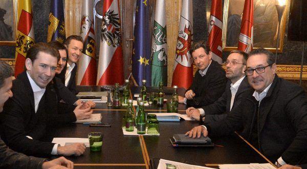 Koalitionsverhandlungen zwischen ÖVP und FPÖ: Beim Treffen der Steuerungsgruppe