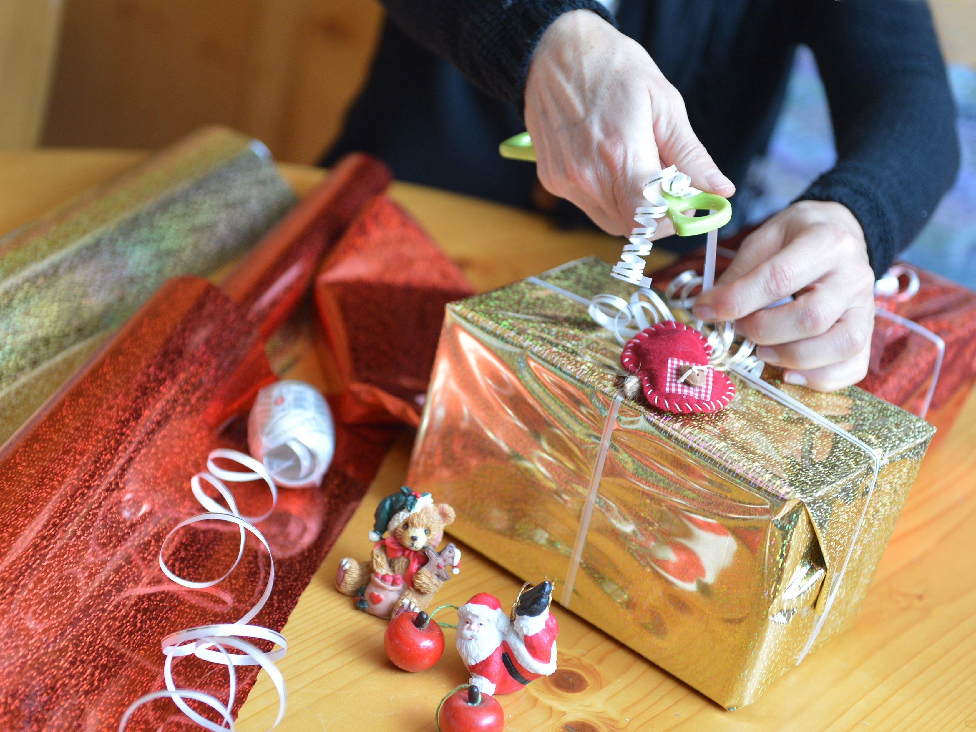 """Spielen Sie Christkind"""": Weihnachtsgeschenke für sozial ..."""
