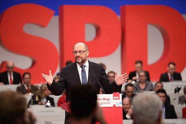 Schulz stellt sich der Wiederwahl