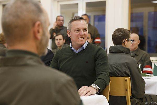 Mario Kunasek bei Truppenbesuch in Arnfels