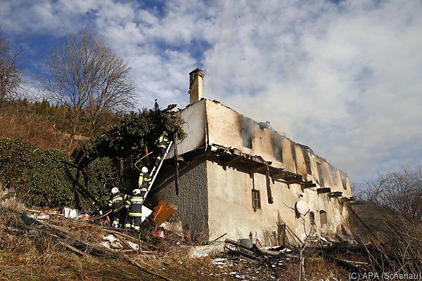 Das Gebäude brannte bis auf die Grundmauern ab