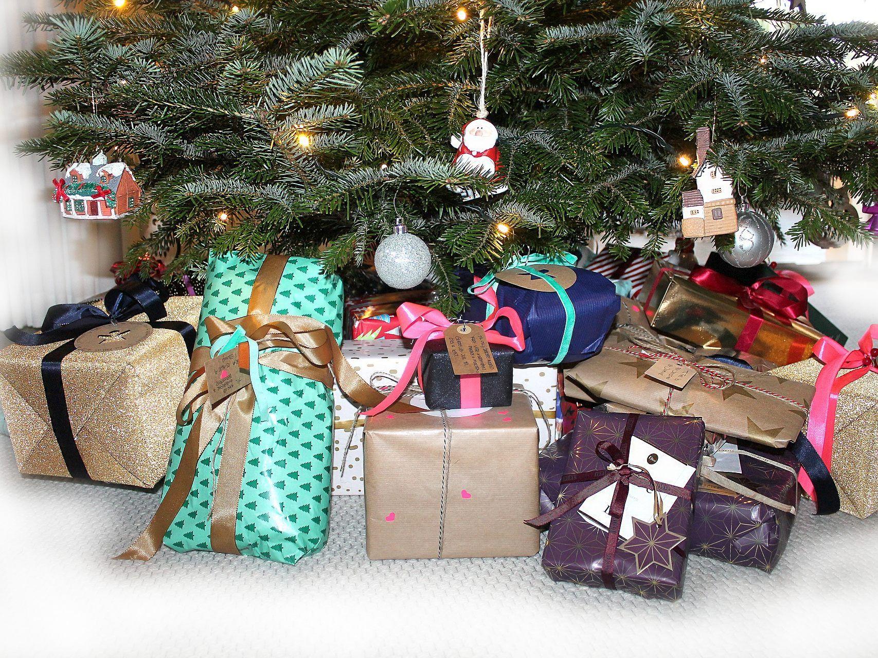 Beste Zeit zum Weihnachtsgeschenke-Kauf: Was ist wann am günstigsten ...