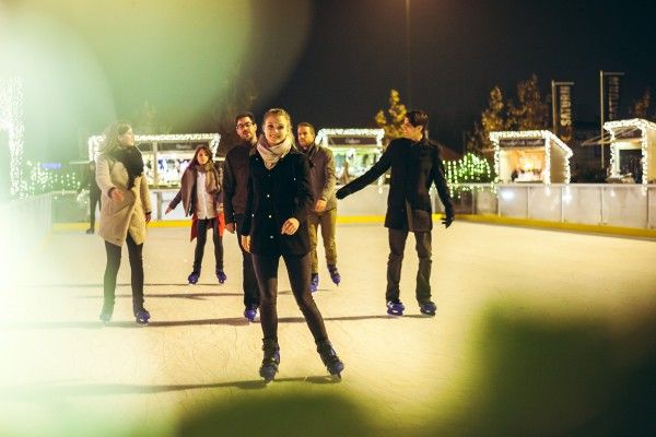 Auf den Multiplex-Terassen bietet sich am 8. Dezember eine Eislauf-Show für große und kleine Disney-Fans