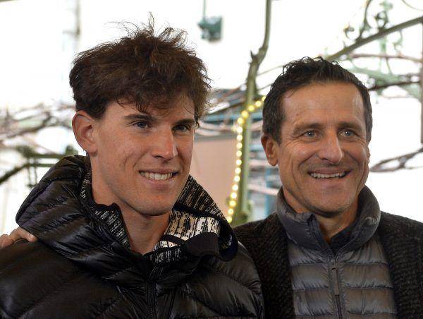 Dominik Thiem (l.) stand zwei Tage vor Weihnachten mit Generali-Open-Turnierdirektor Alexander Antonitsch (r.) der Presse in Kitzbühel Rede und Antwort