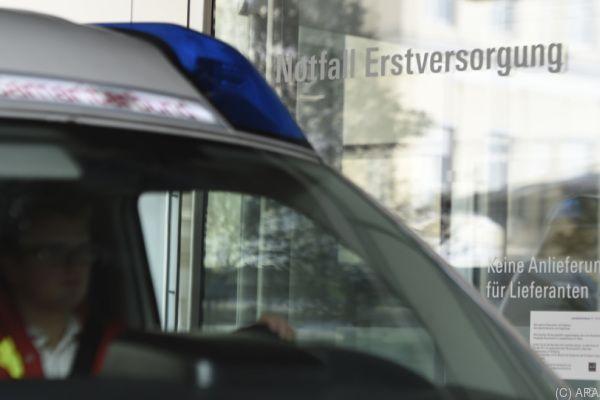 83-jähriger Autolenker wurde ins Krankenhaus gebracht