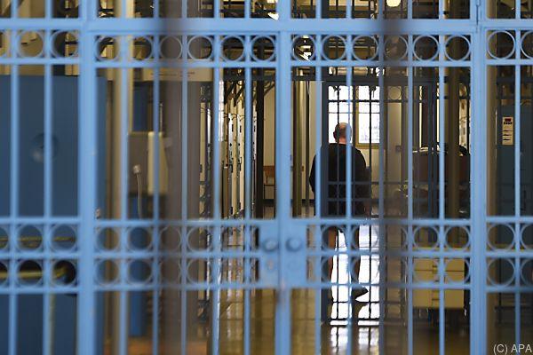 Der Angeklagte muss für mindestens acht Monate hinter Gitter