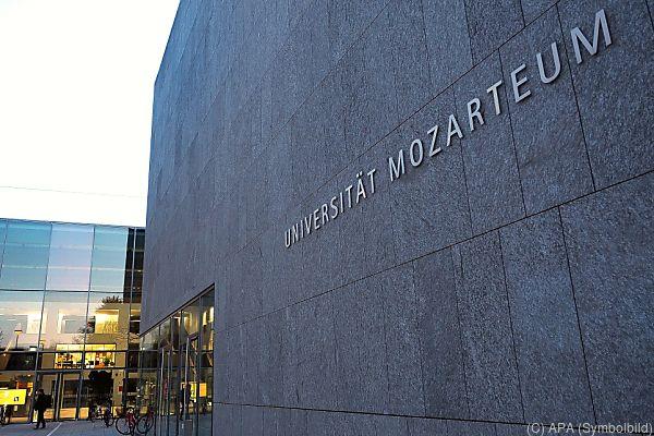 Mozarteum beschädigt sich selbst