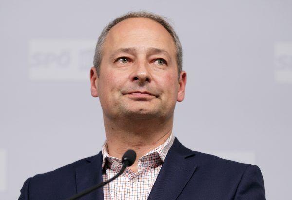 Schieder missfällt die nicht öffentliche Debatte beim SPÖ-Parteitag in Wien.