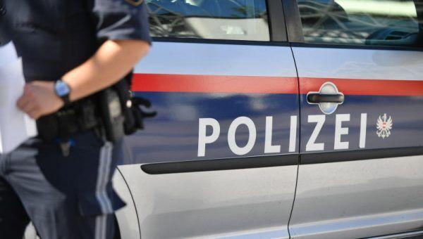 Die Polizei forschte die vier Verdächtigen aus.
