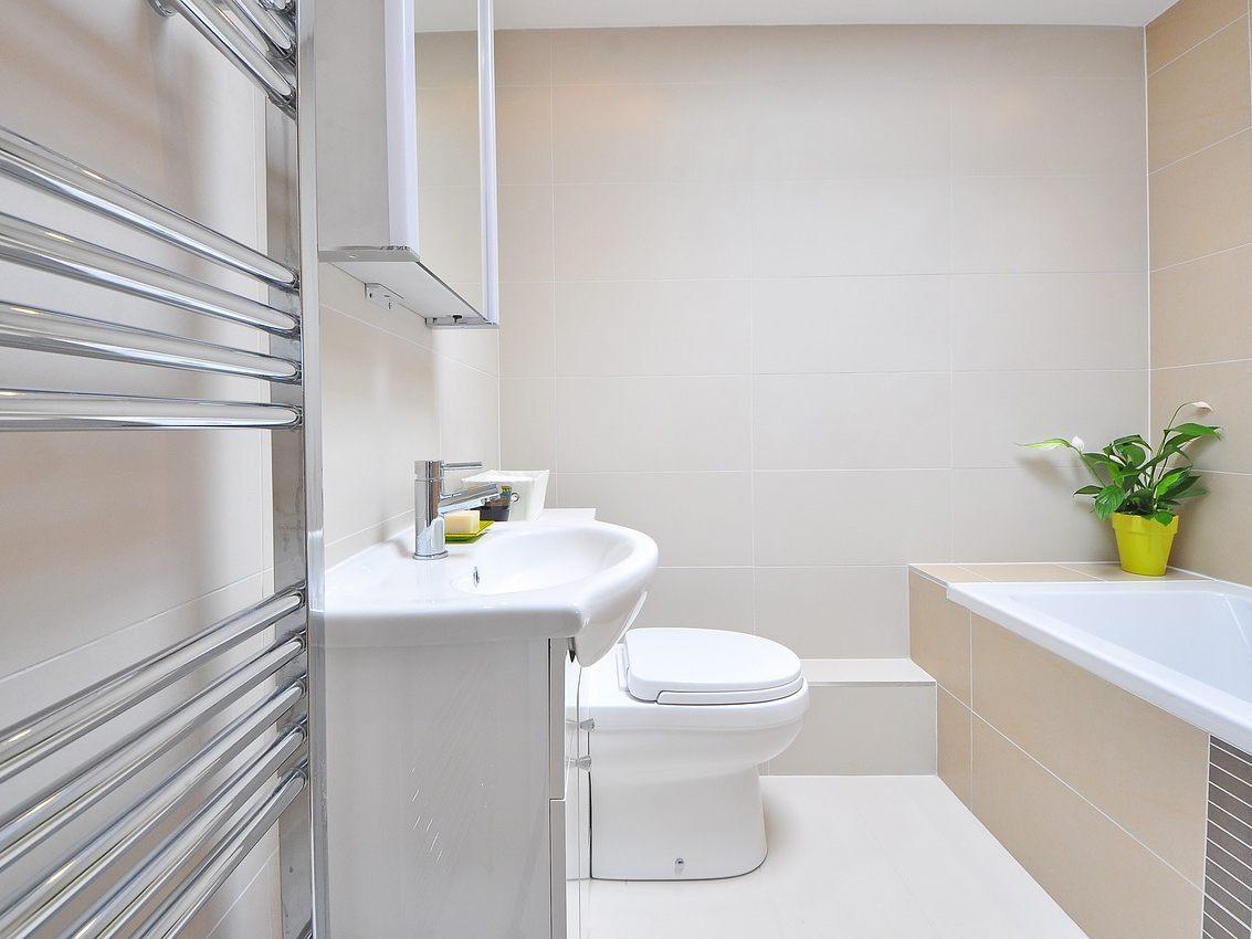 Große Ideen für kleine Badezimmer: Tipps für die Einrichtung ...