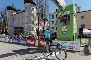 Enges Alps-Tour-Finale auf WM-Kurs – Sanchez-Sieg in Lienz
