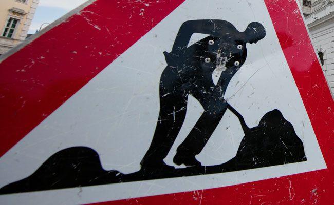 Wien-Donaustadt: Fahrbahnsanierungsarbeiten auf Erzherzog-Karl-Straße