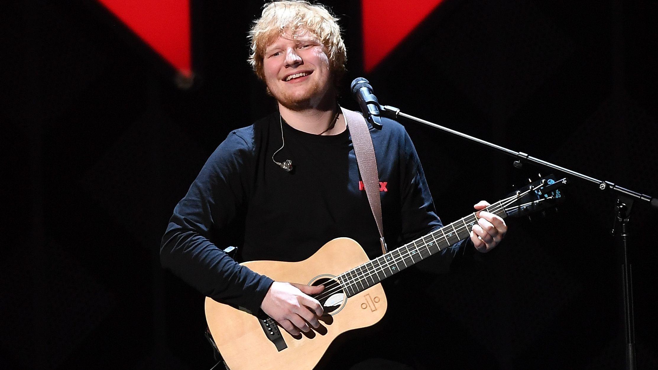 Tipp: Melden Sie sich jetzt für den Ed Sheeran Ticketalarm an und Sie werden automatisch informiert, sobald es Neuigkeiten gibt. Biografie Der rothaarige Singer-Songwriter aus Halifax, West Yorkshire hat mit seiner Musikalität, seiner Emotion und seiner unglaublichen Spielfreude bereits eine große Fanbase und die Anerkennung der Kritiker /5().