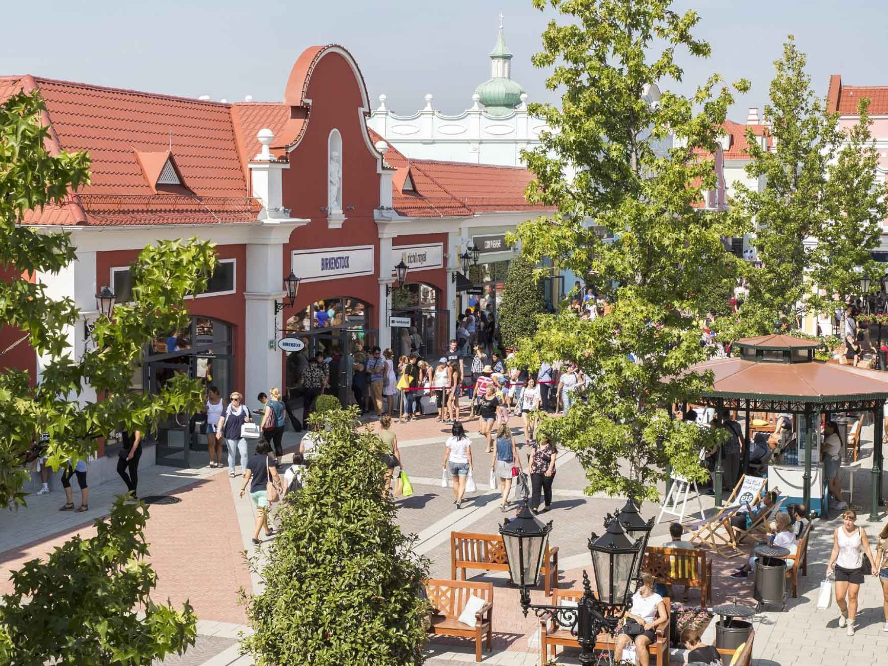 Rekord  80.000 Besucher beim Late Night Shopping im Designer Outlet ... 07fd71b3e93