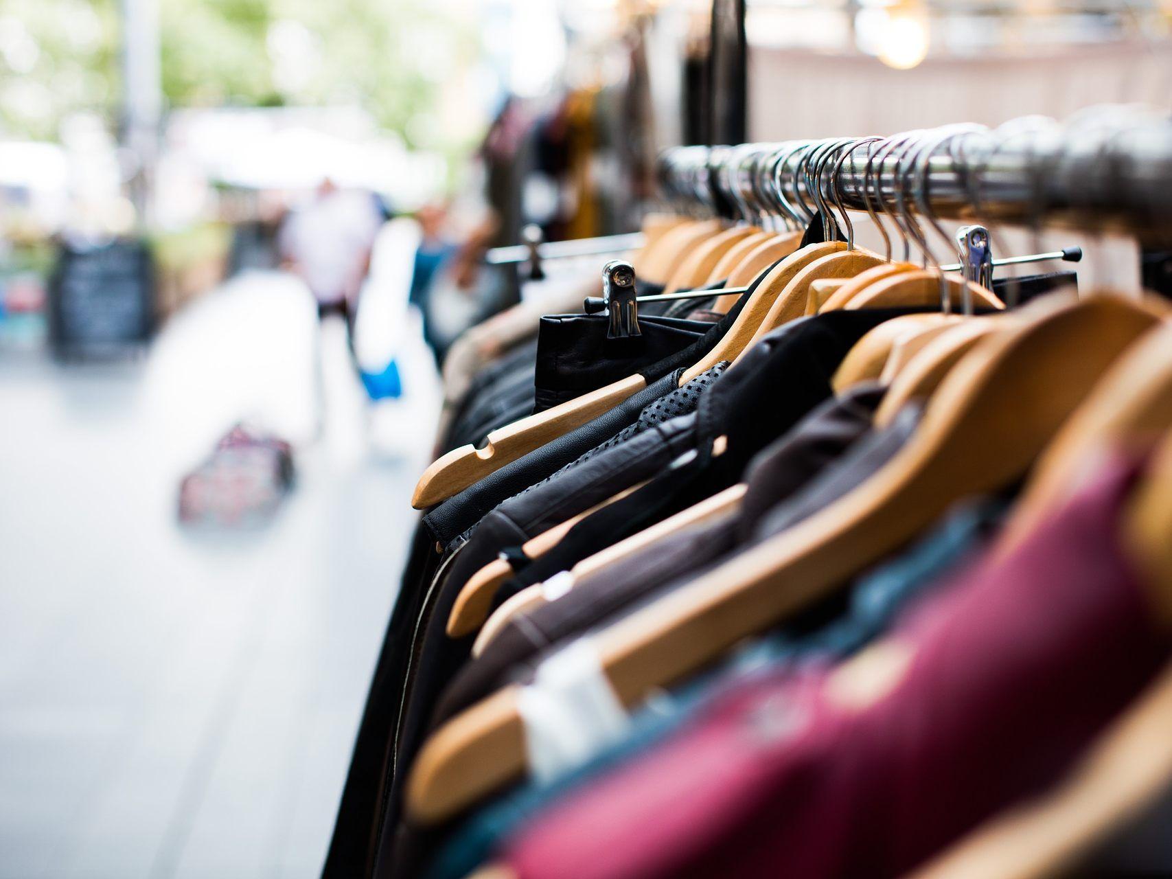 Nicht mehr getragene Kleidung kann am Nationalfeiertag ab 10 Uhr angeboten.
