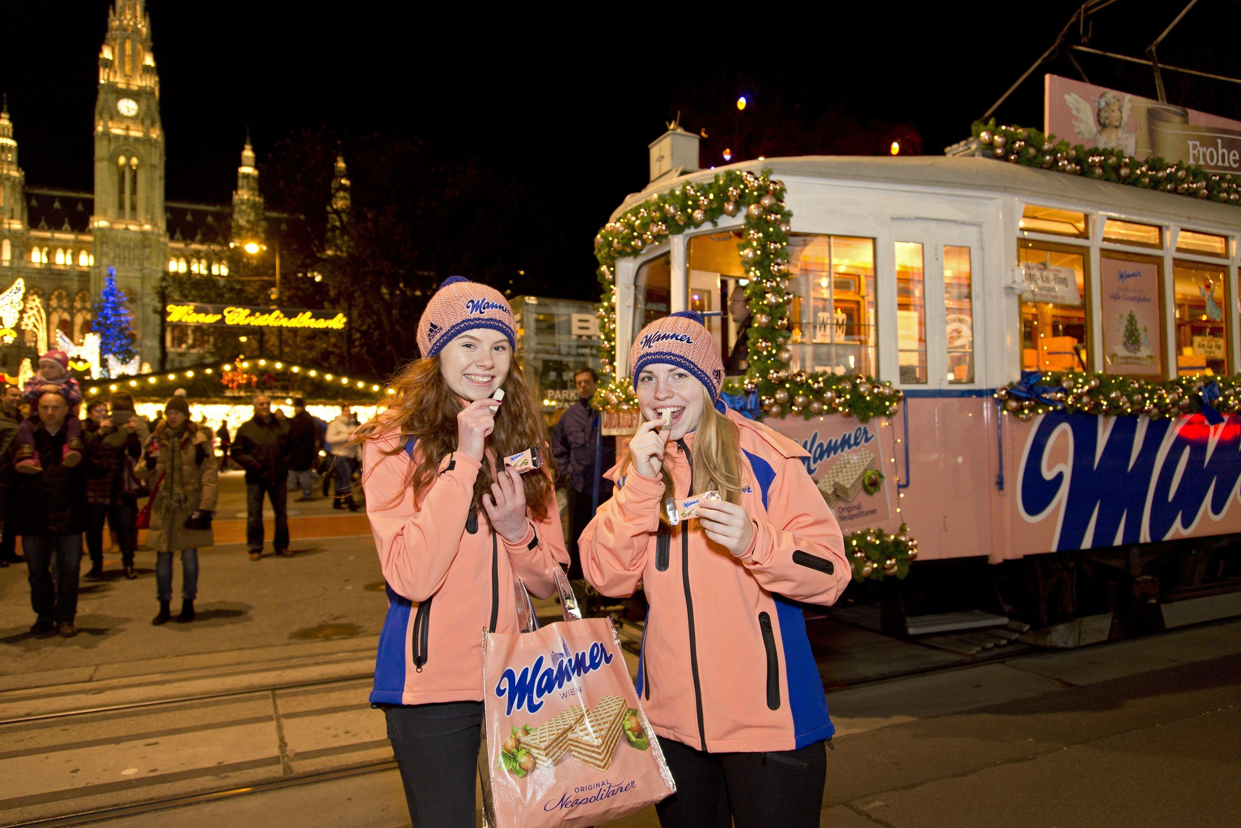 Manner-Weihnachtsstraßenbahn dreht bald wieder ihre Runden am Wiener Ring
