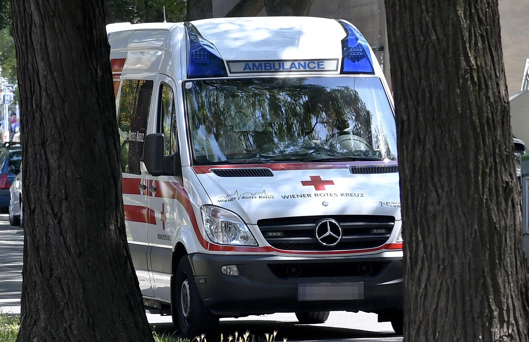 Wien-Simmering: E-Rollerfahrer fuhr 8-Jährige auf Gehsteig um
