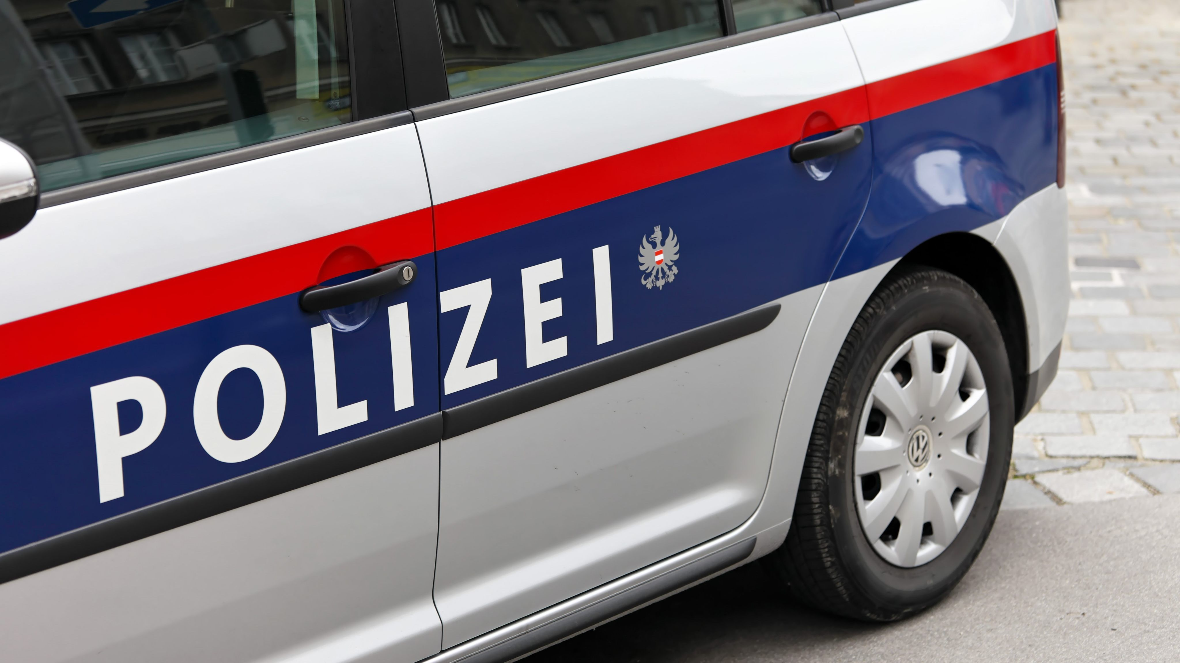 Gefälschte Zeugnisse Betrüger Ergaunerte Mehr Als 125000 Euro