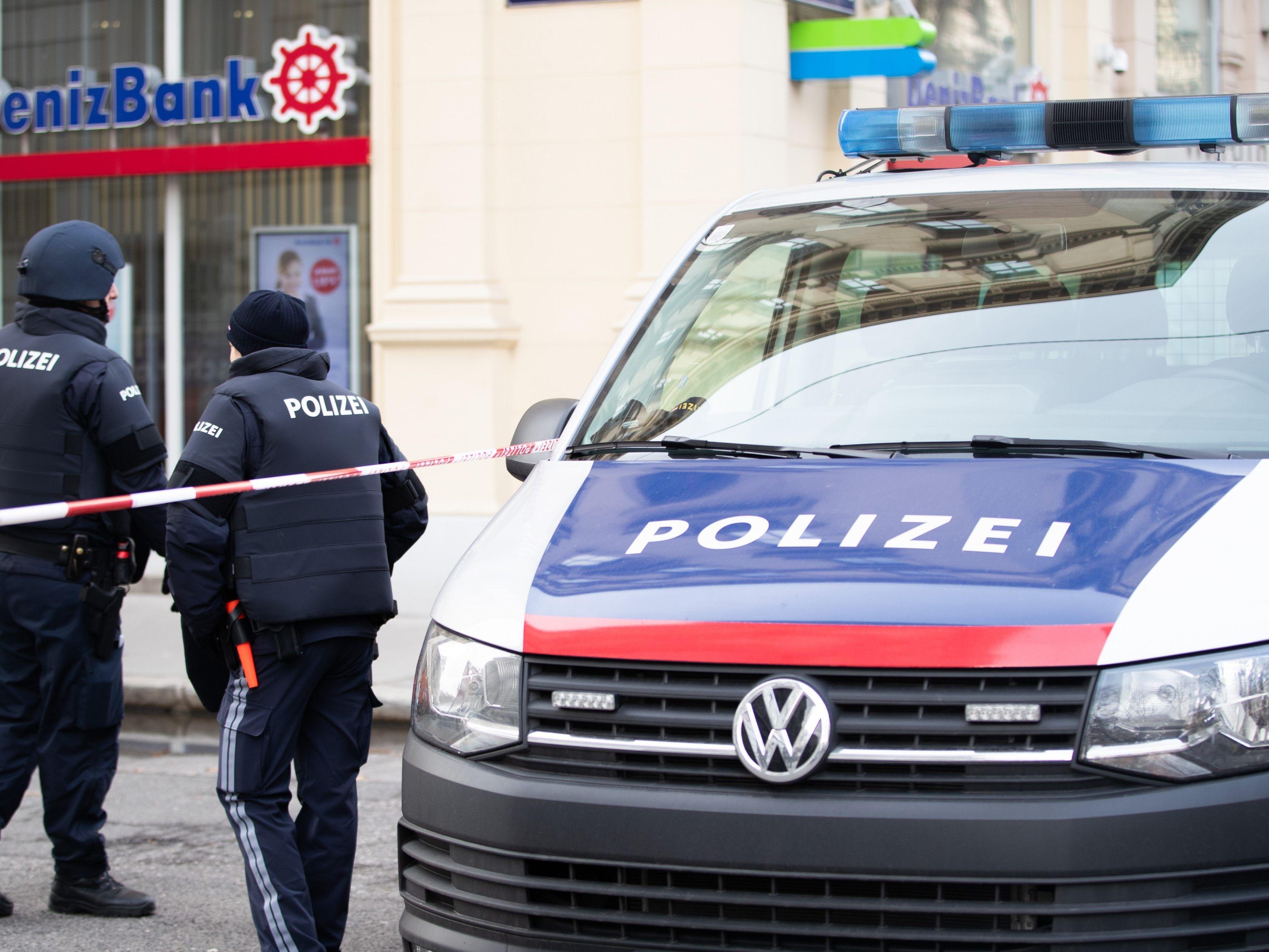 Schüsse Bei Banküberfall Am Wiener Kärntner Ring Security Schwer