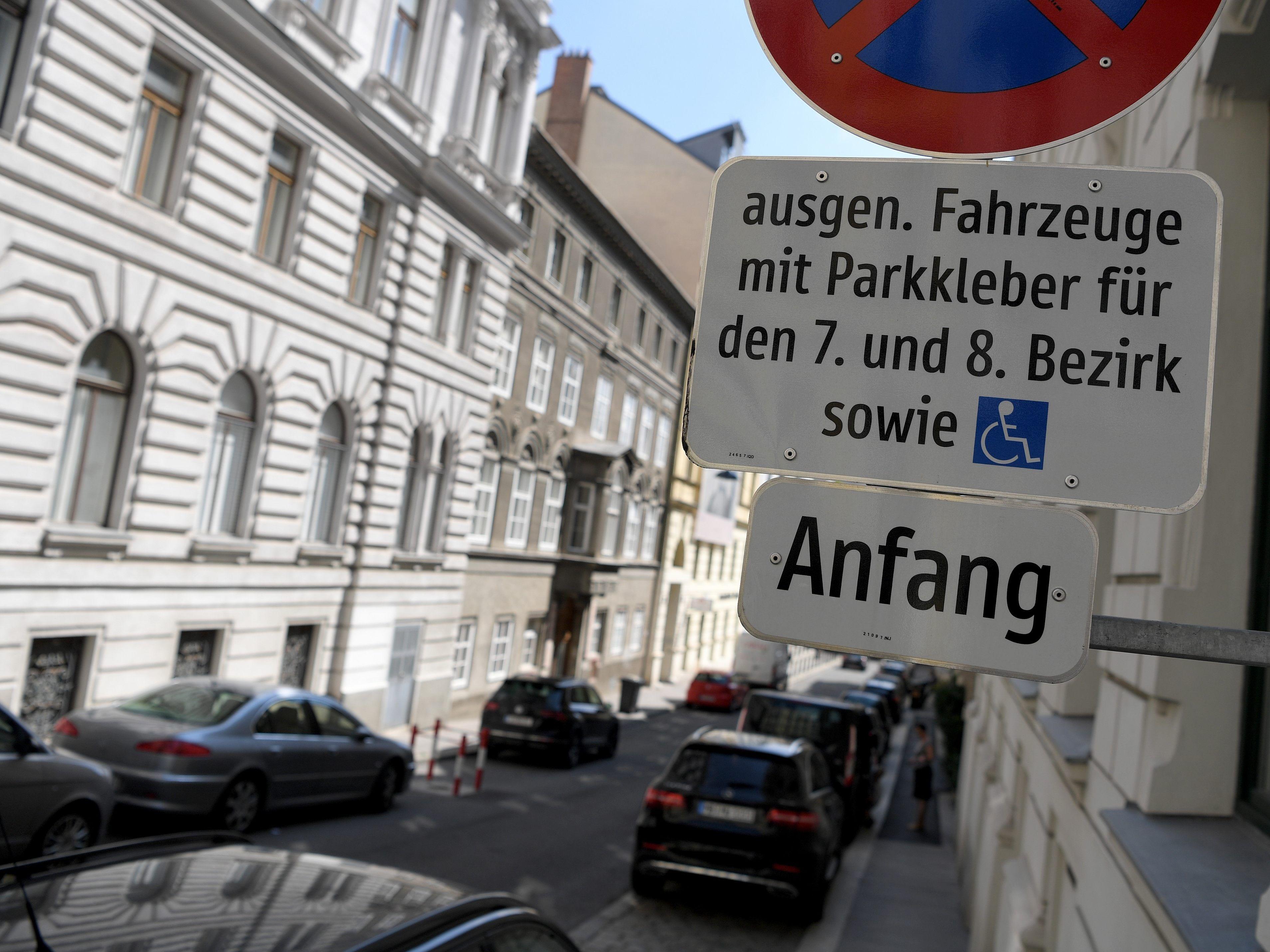 Parken In Wien Infos Zu Parkpickerl Parkscheinen Und