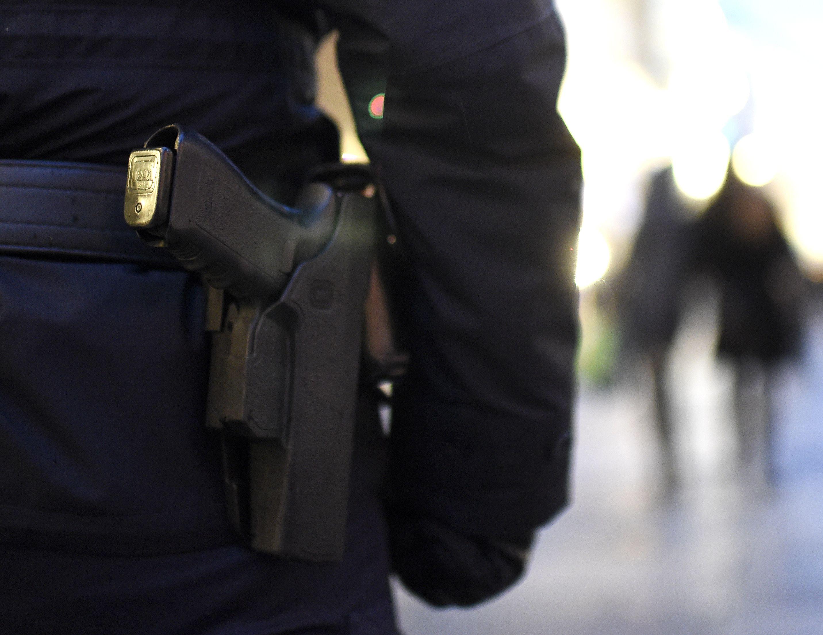 Mann forderte in Wien-Favoriten mit Pistole Bargeld: Verdächtiger gesucht