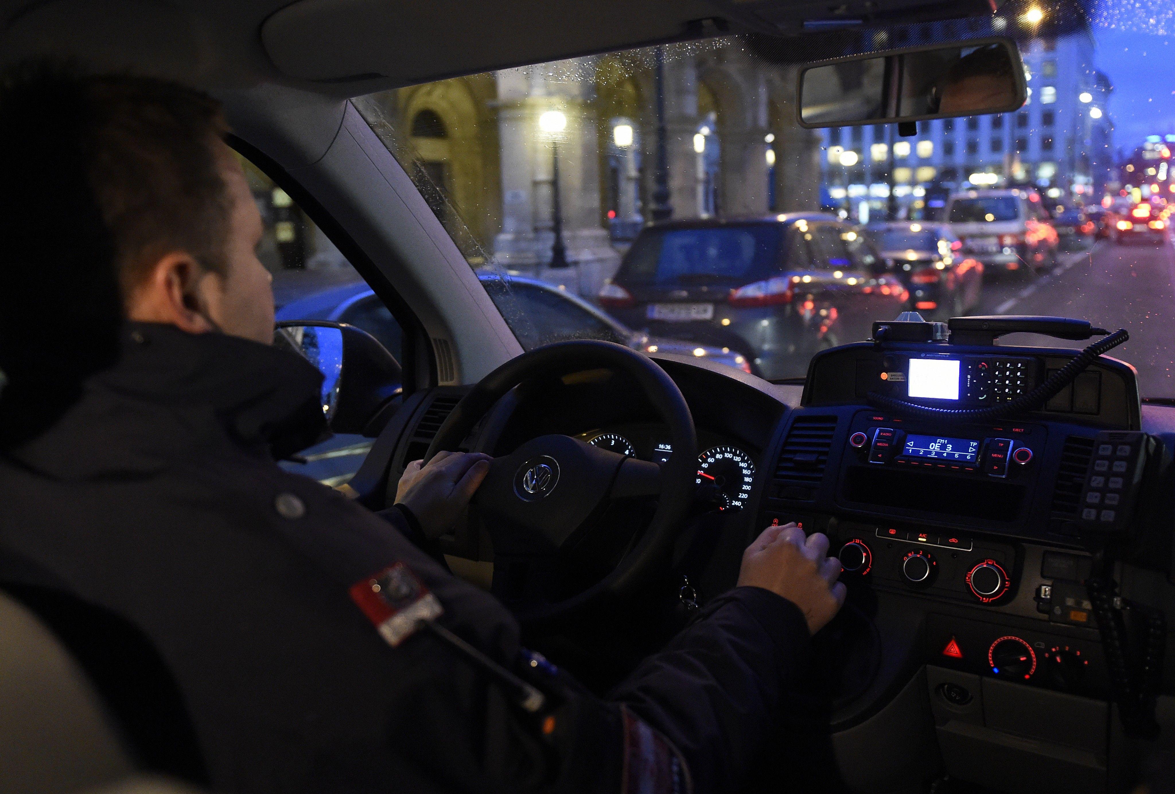 Fußball-Fan attackiert Polizisten vor EM-Quali-Spiel in Wien
