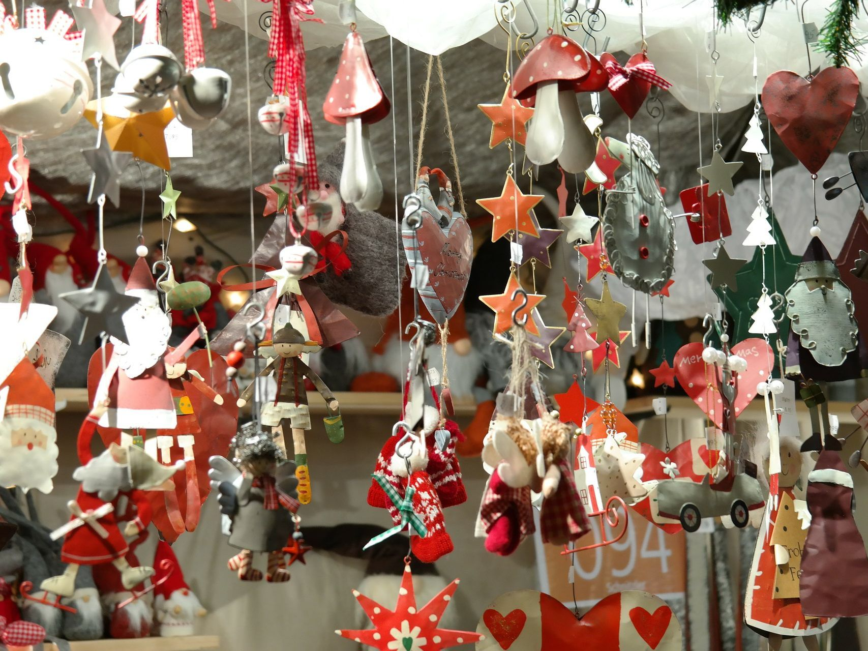 Karitativer Weihnachtsmarkt lädt auf die Wiener Freyung - VIENNA.AT