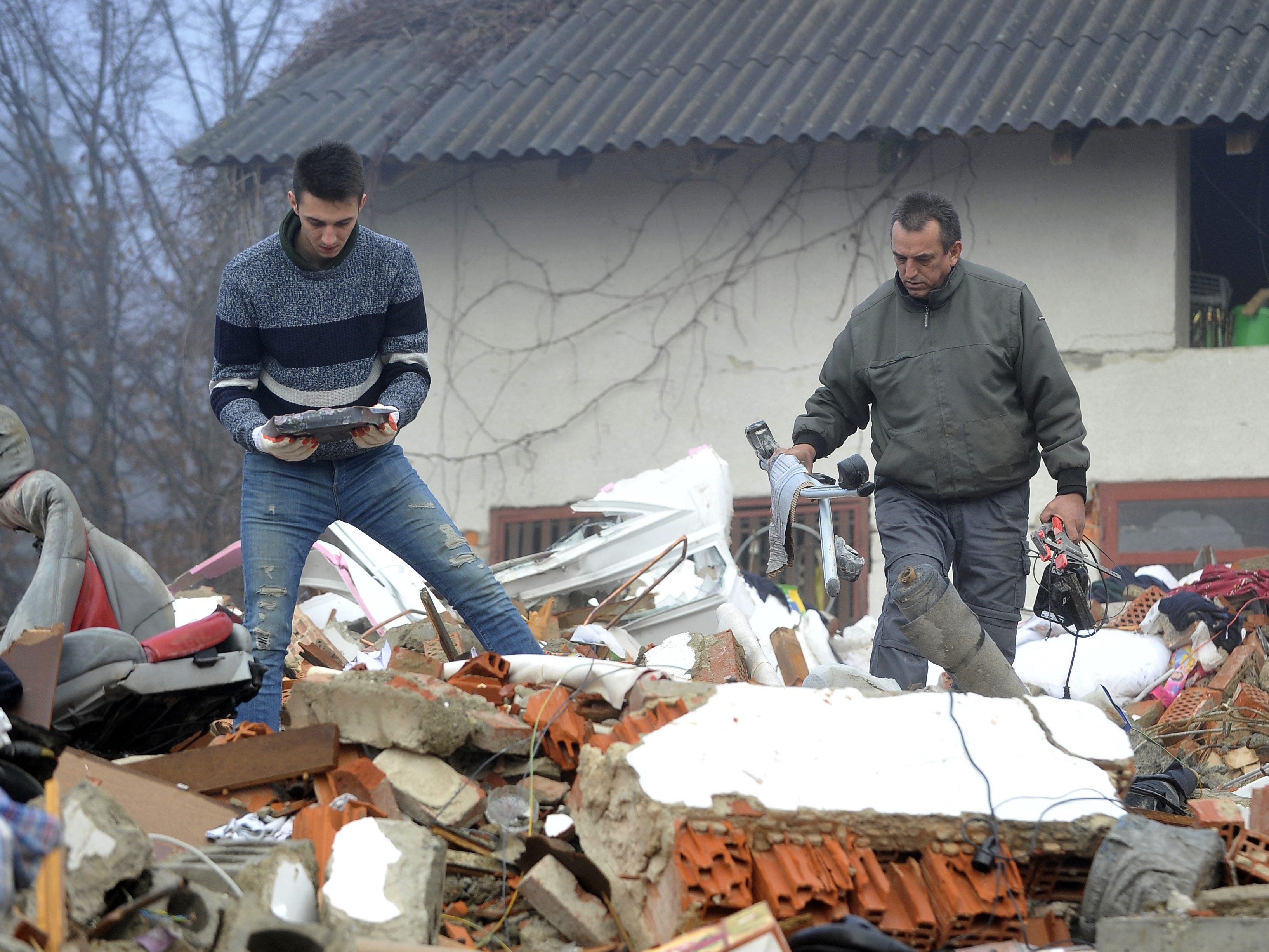 Weitere Lieferung an Sachspenden für Erdbeben-Opfer in ...