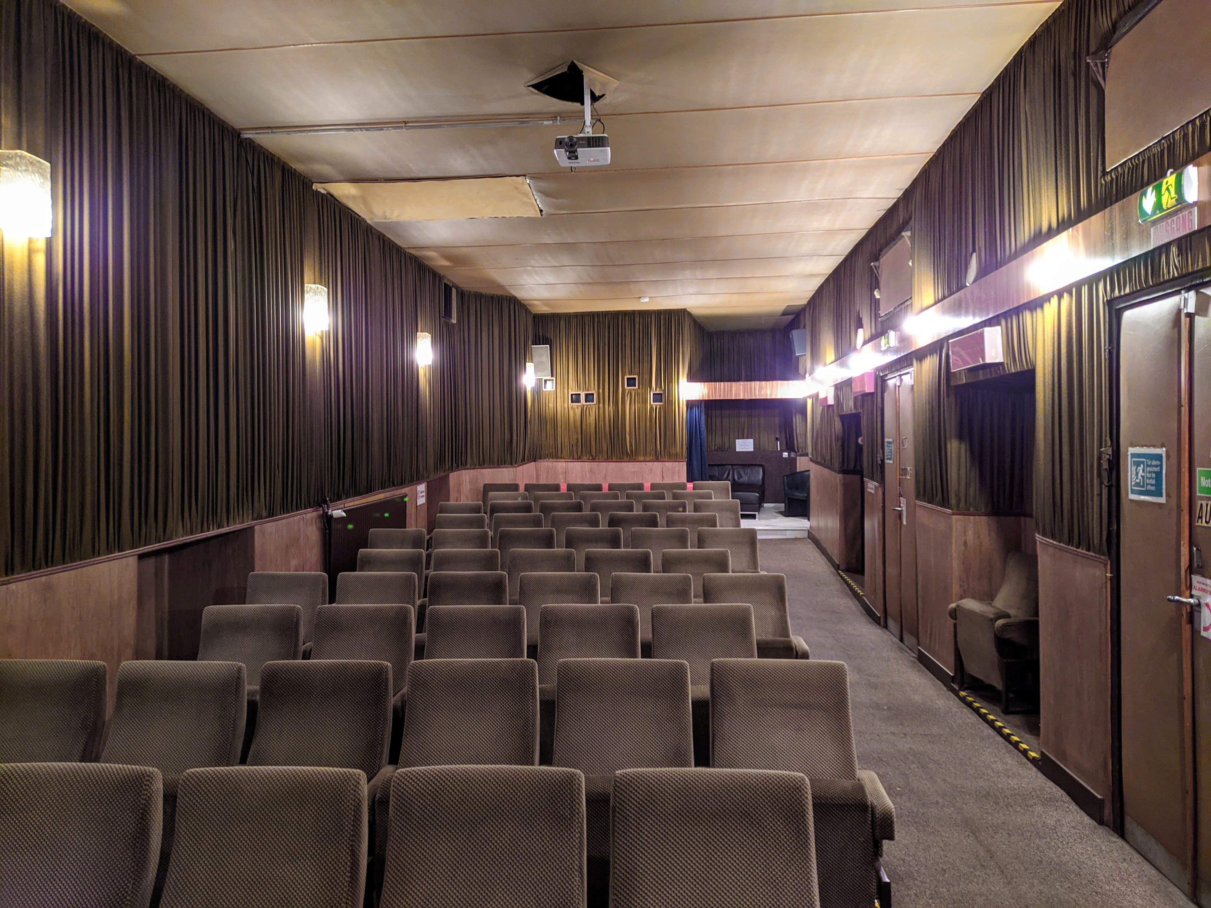 Kino swinger im 11 Orte