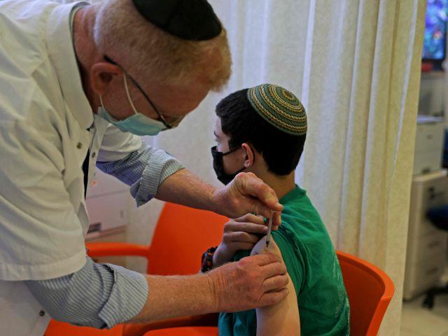 Israel begann mit Corona-Impfung von Zwölf- bis 15